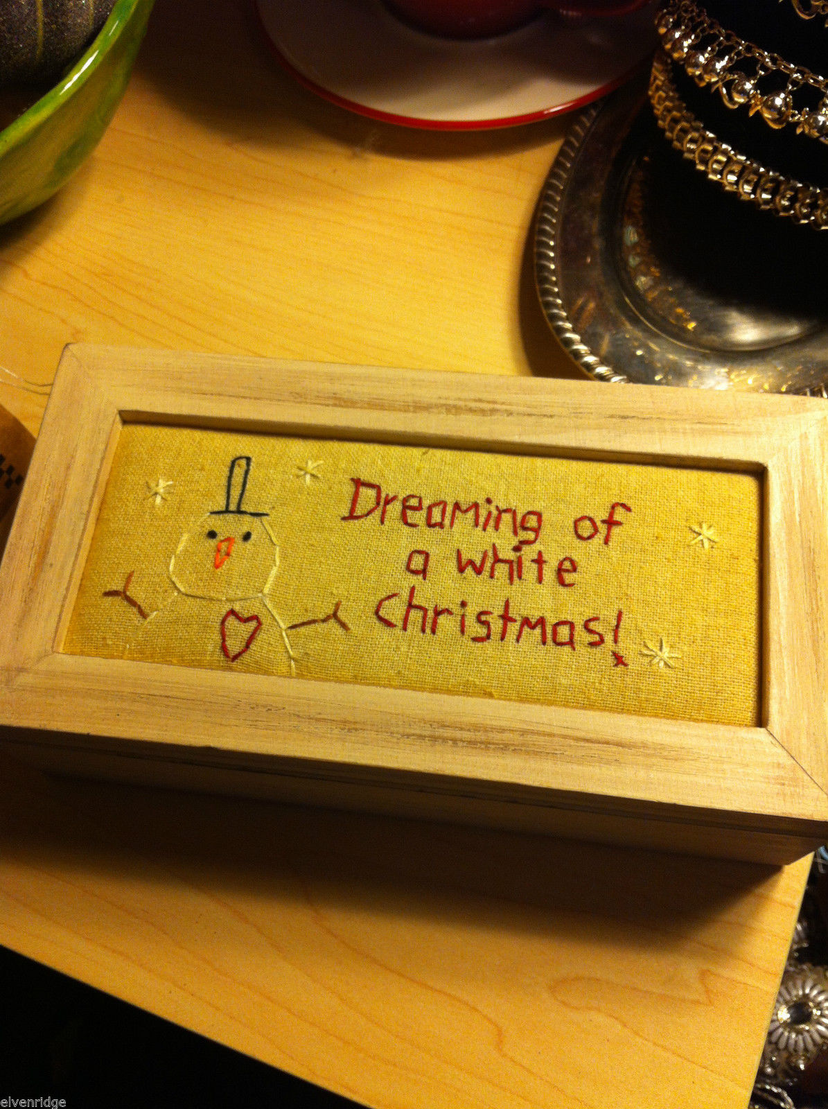 Wooden Gift Box w Stitching Top Dreaming of a White Christmas holds gift gloves