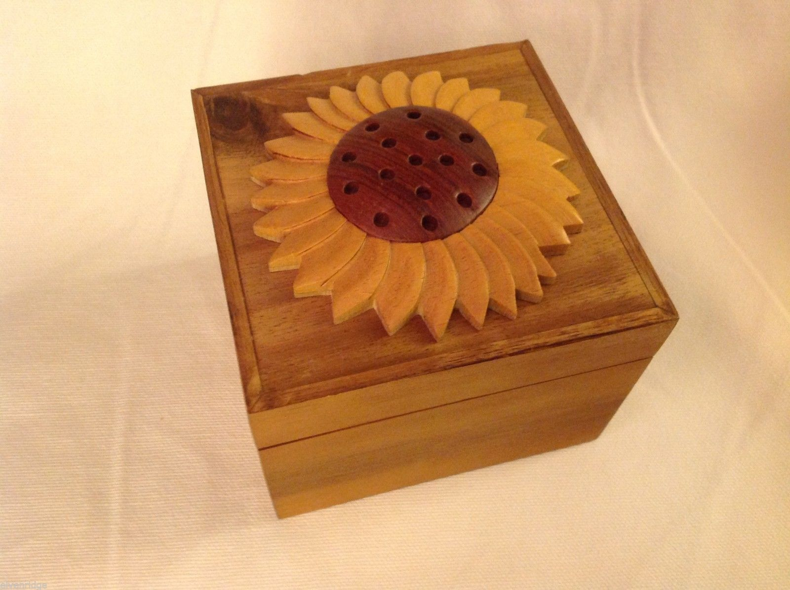 Wood Intarsia trinket box NEW with sunflower on top