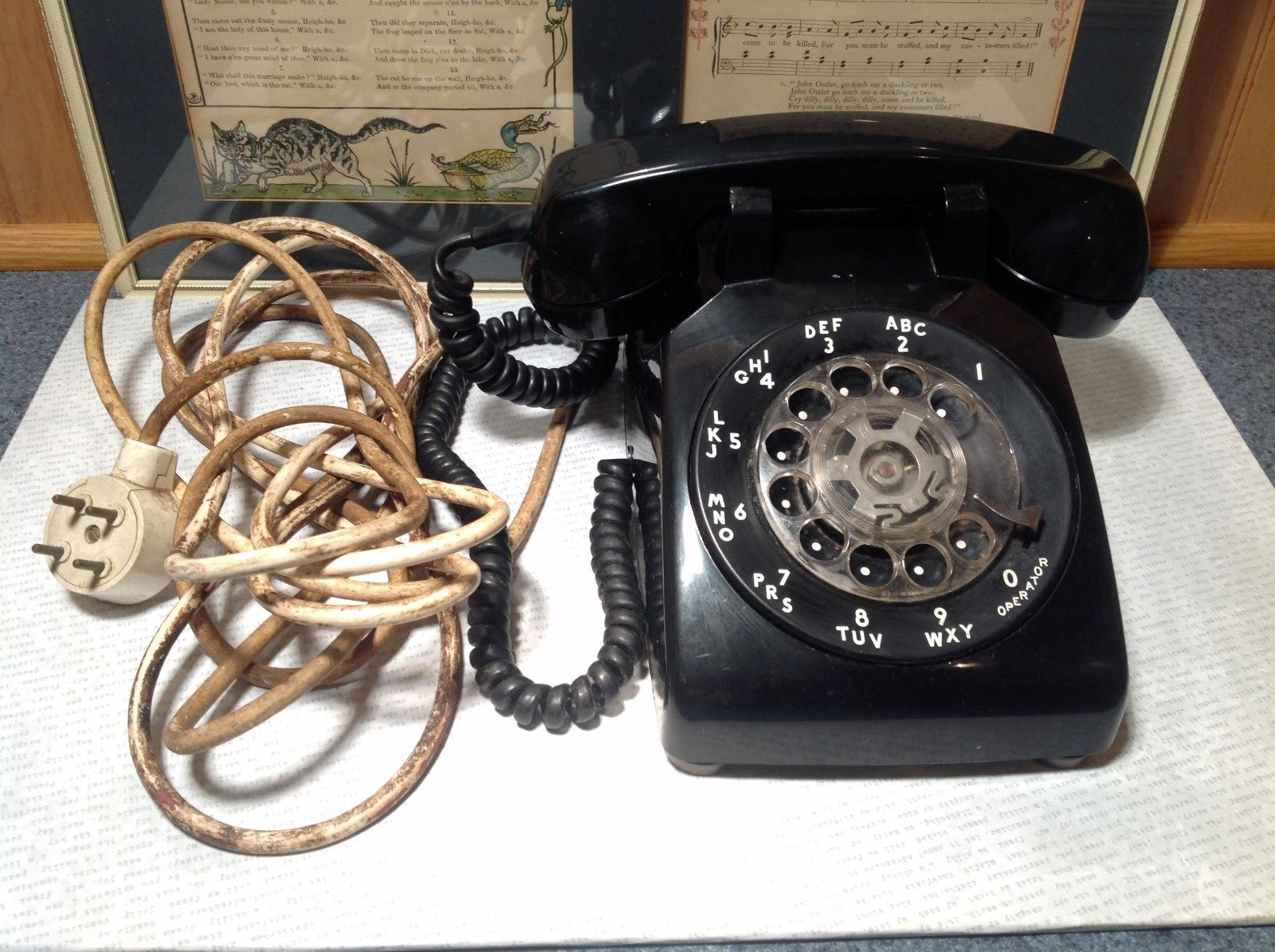 Working Vintage Bell Systems Analog Black Telephone Classic Look