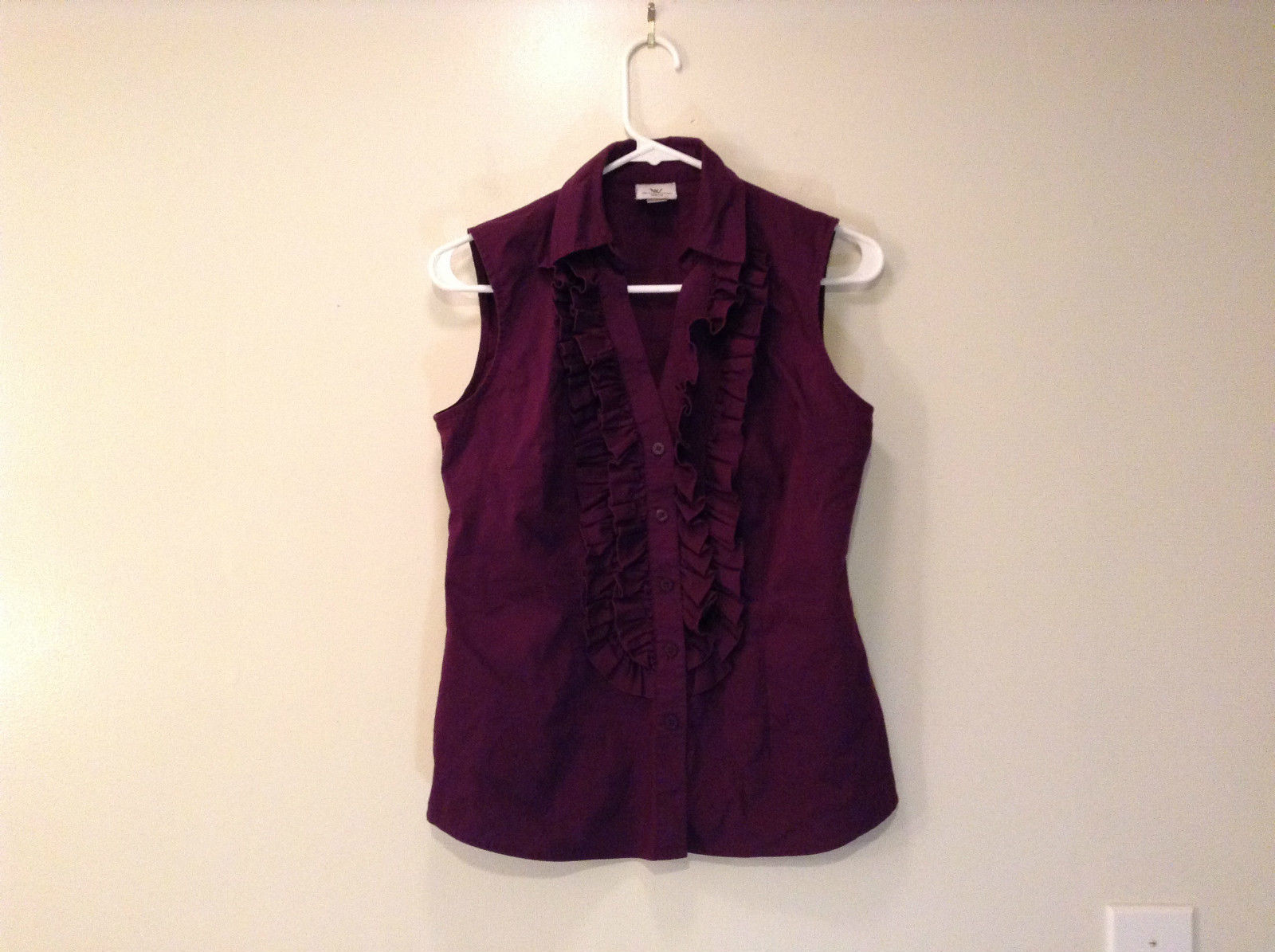 Worthington Stretch Sleeveless Dark Violet V Neck Top Ruffles on Front Size S