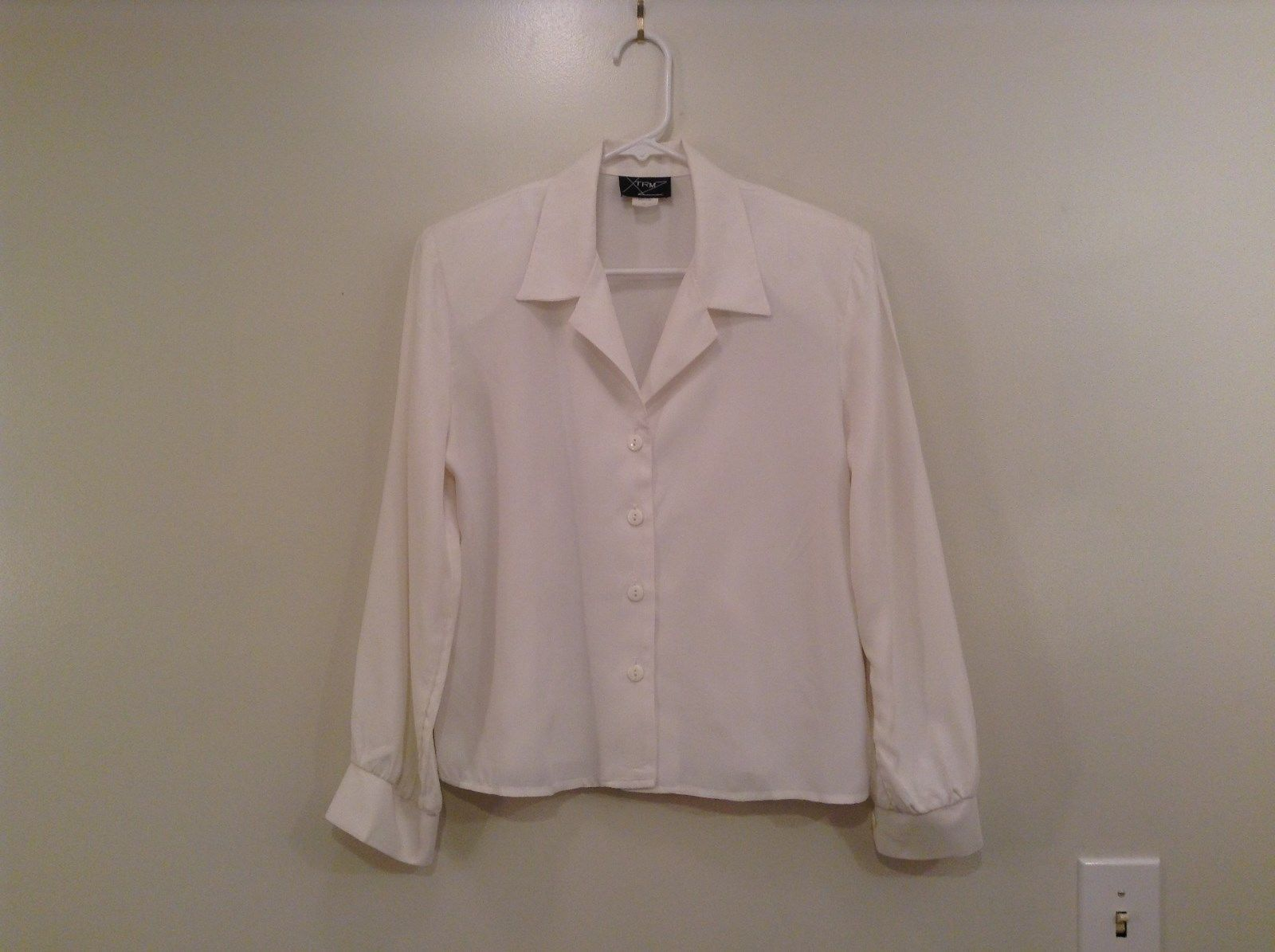 XTRMZ Size 7 to 8 Long Sleeve White Button Up Blouse Padded Shoulders