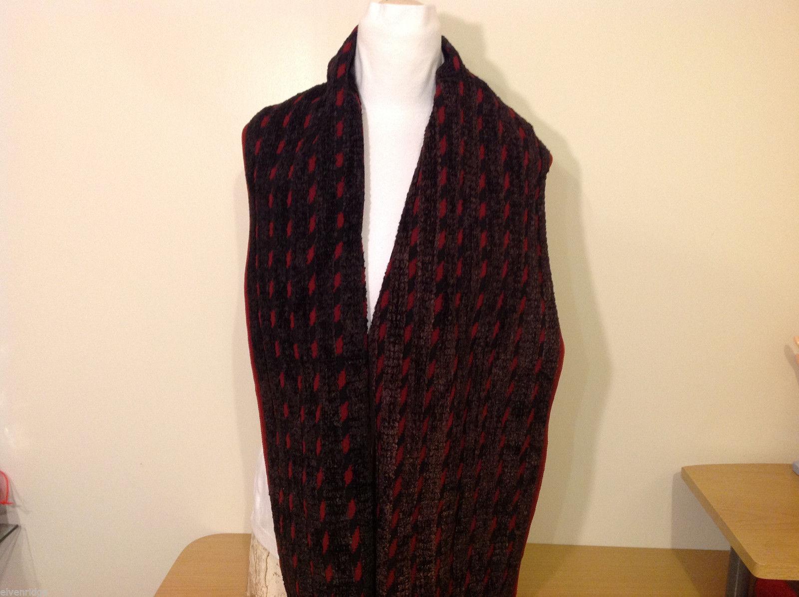 Yacan Hand Made in Guatemala Backstrap Loom Black Dark Red Scarf