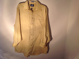 Yellow Honey Colored Button Up Collared Stafford Shirt Front Pocket Size 17