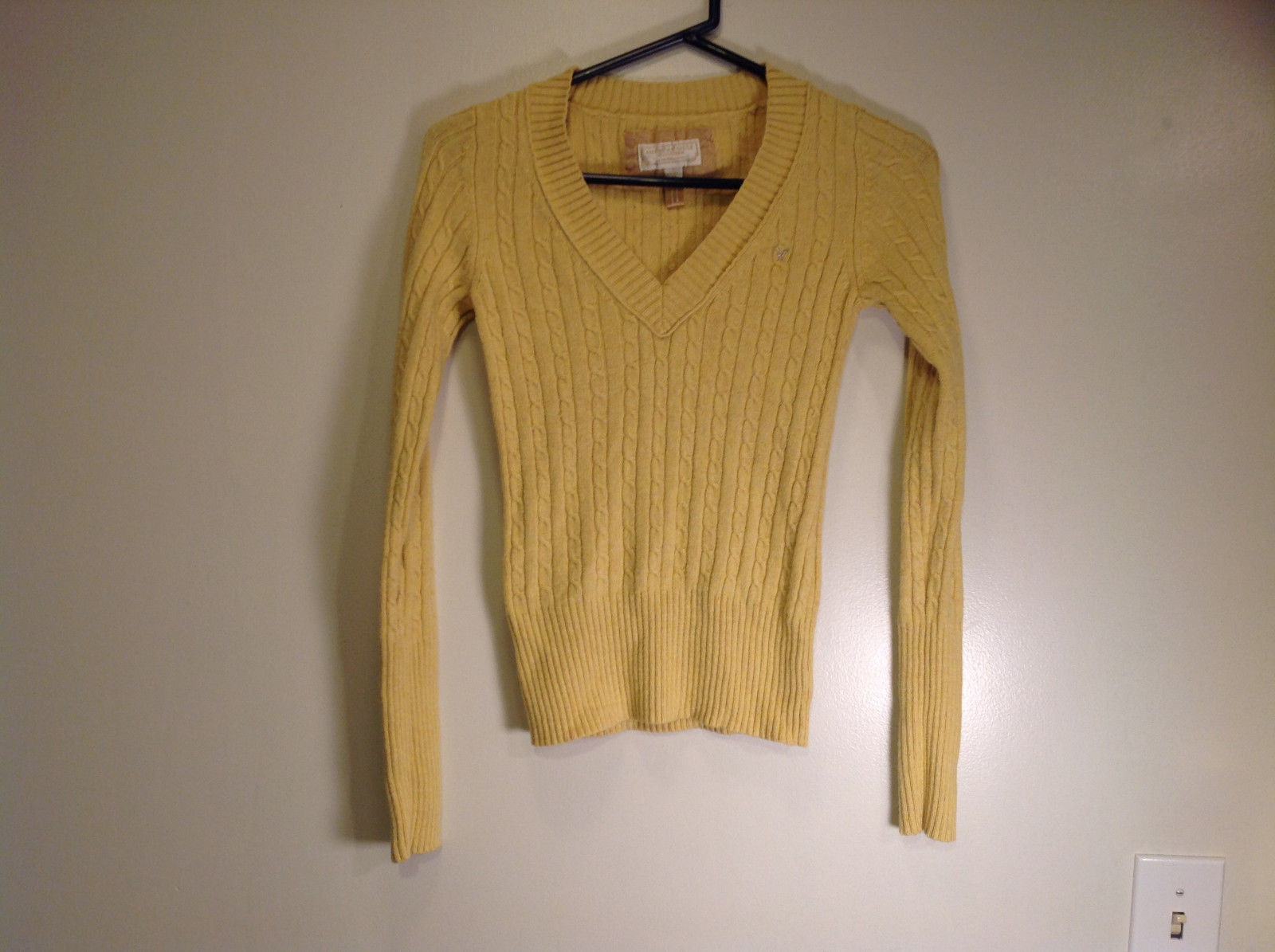 Yellow Long Sleeve V Neck Cotton Blend Sweater American Eagle Size Small
