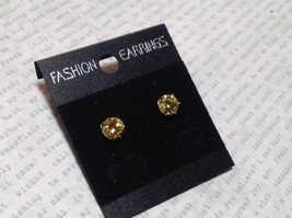 Beautiful Round Yellow CZ Stone Silver Tone Stud Earrings image 2