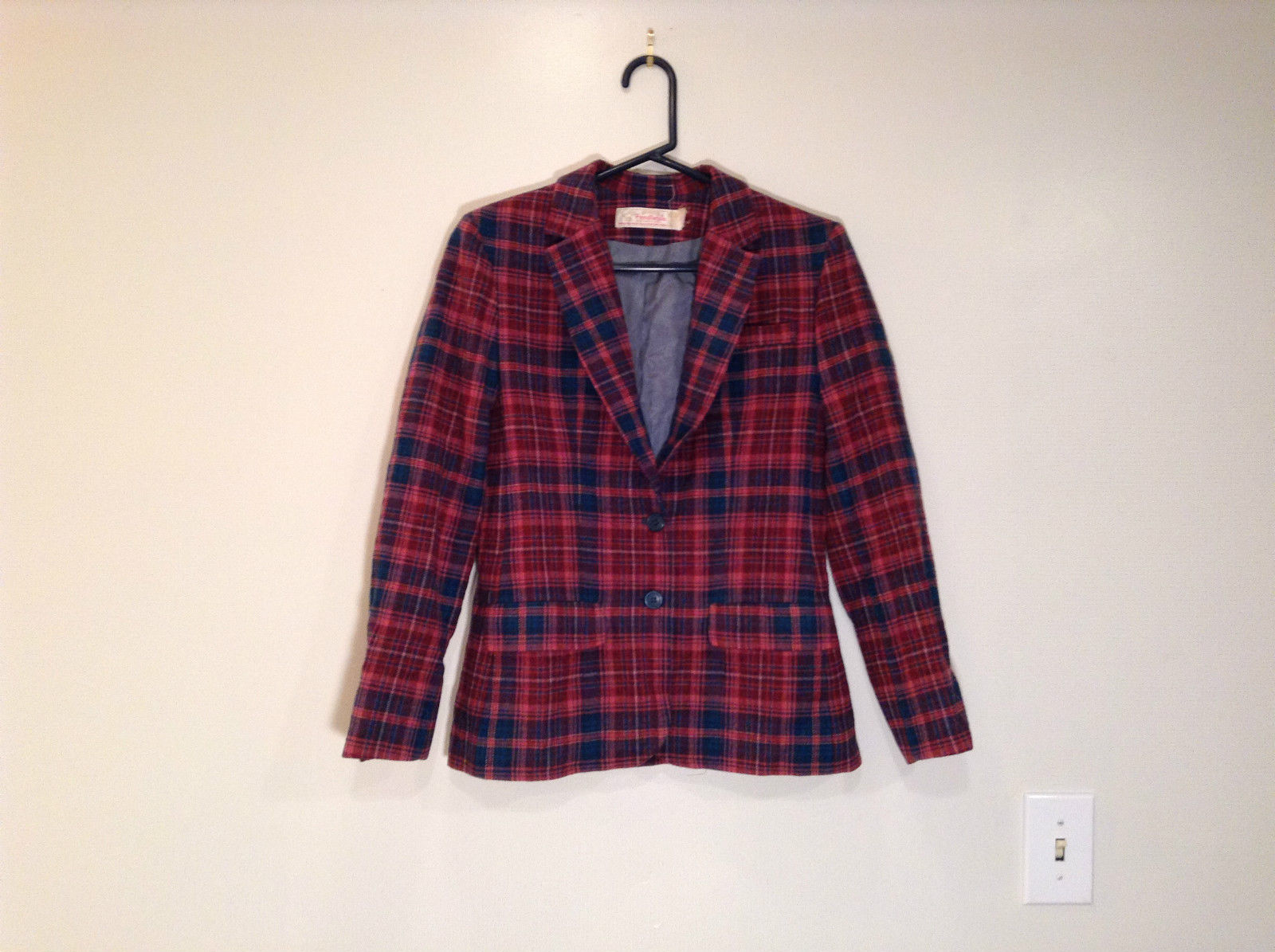 Young Pendleton 100 Percent Wool Plaid Fully Lined Long Sleeve Blazer
