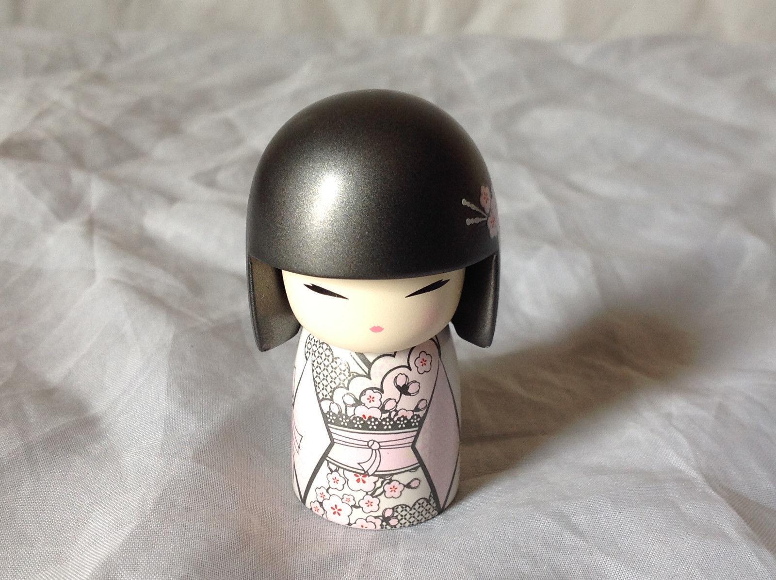 Yumika Kindness Kimmi Mini Doll Gray Metallic Hair White Clothes Asian Style