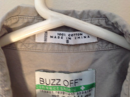 Tan Button Up BUZZ OFF Collared Casual Shirt 2 Front Pockets Size Small image 3