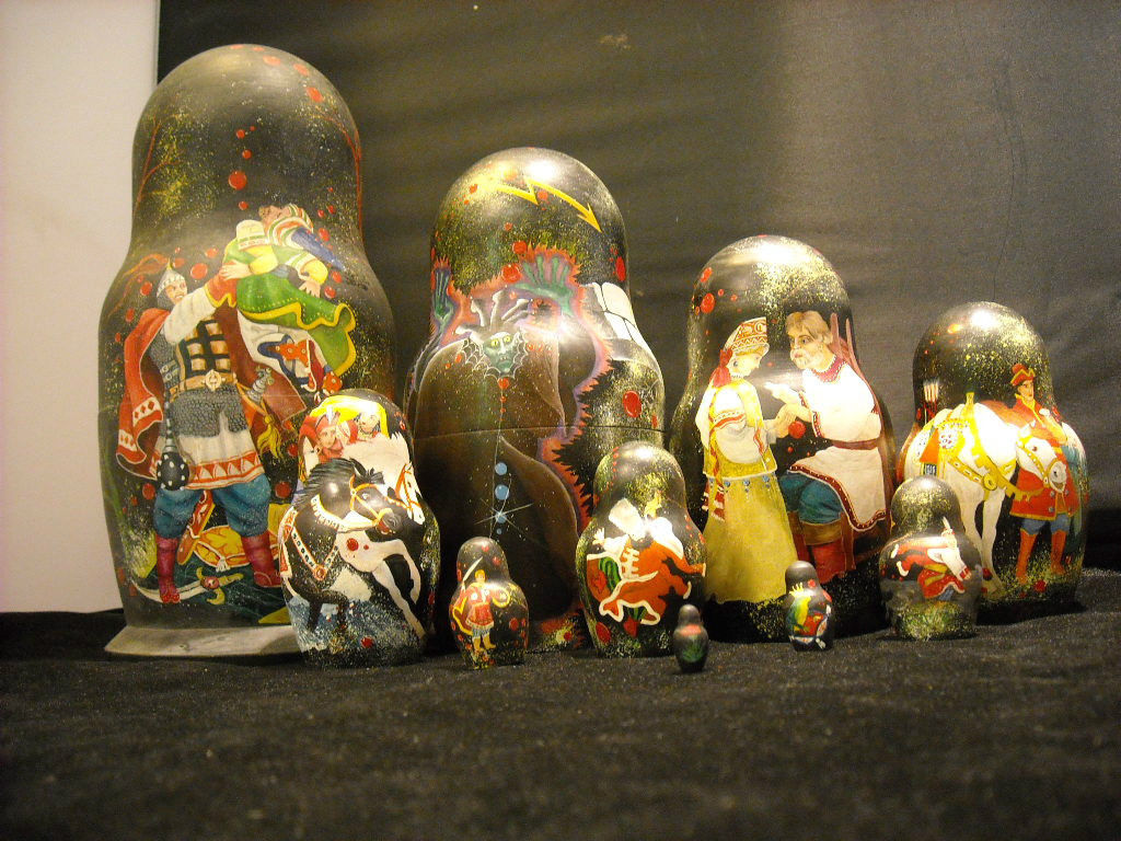 set of 10 Russian Wooden Hand Painted Nesting Dolls Medieval Soldiers vintage
