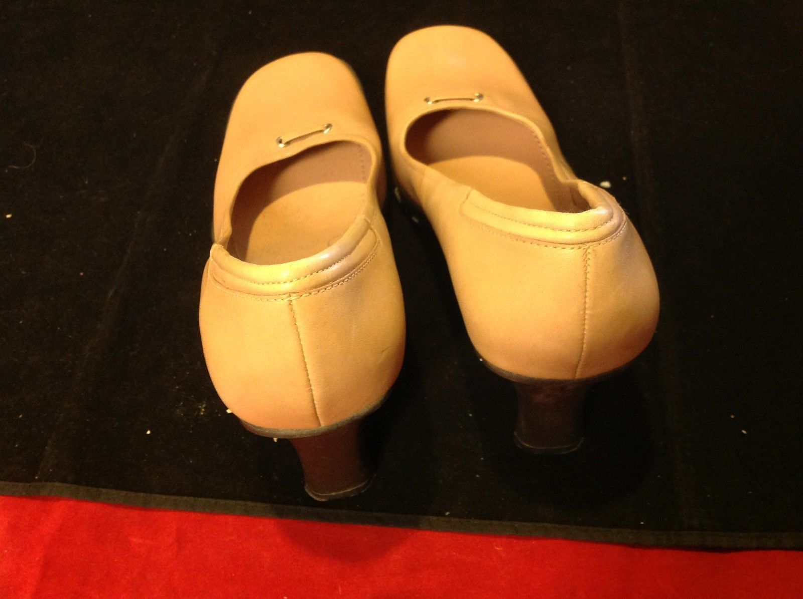 nine west cream peach color 4 inch heels size 9