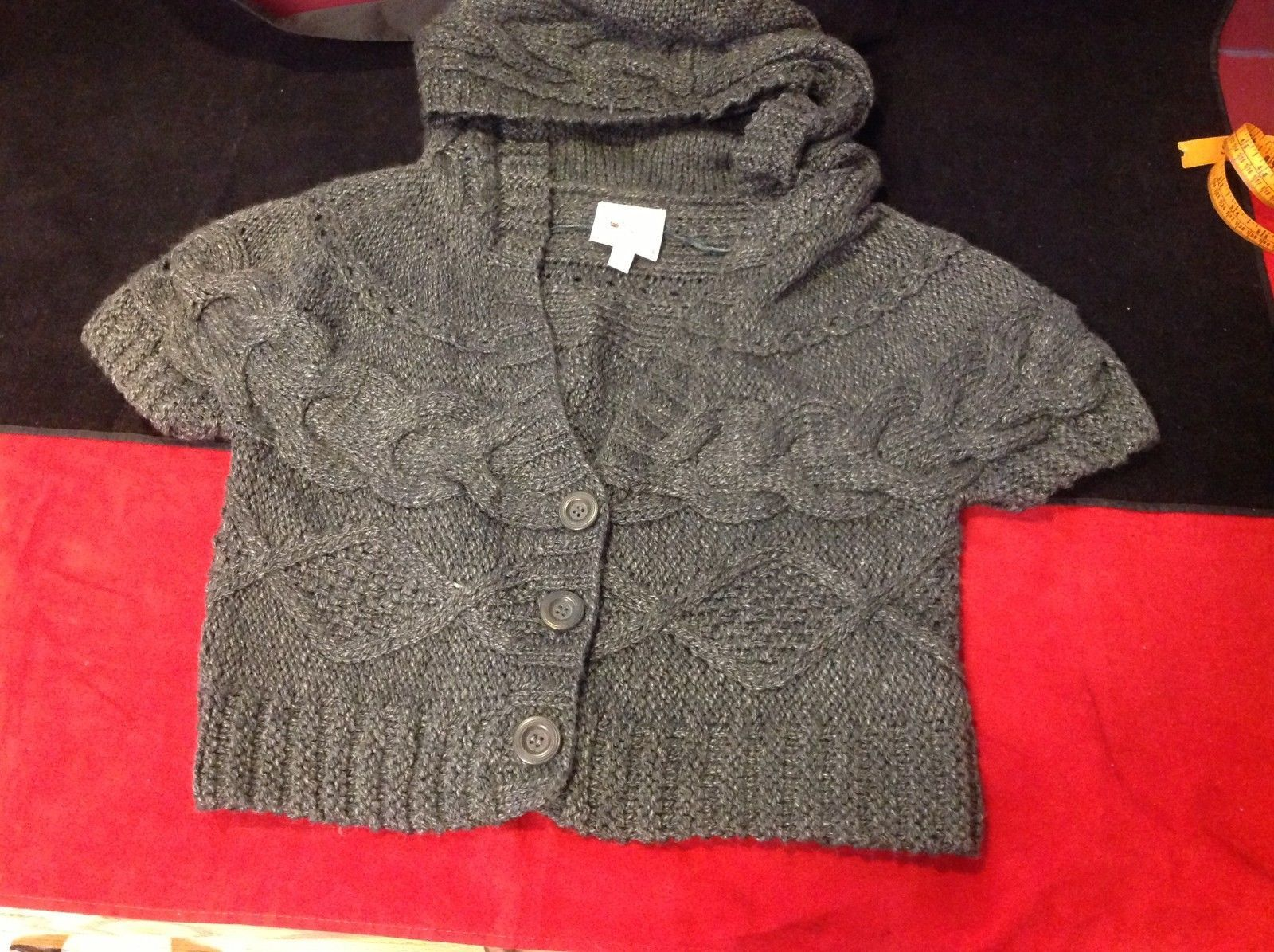 pink rose dark grey short sleeve sweater size large