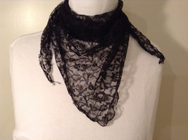 Black Floral Lace Triangle Shaped Scarf image 2