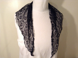 Black Floral Lace Triangle Shaped Scarf image 3