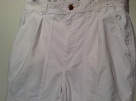 Weekends White Pleated Front Casual Pants Size 32 Front and Back Pockets image 2