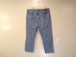 Wrangler Blue Jeans Straight Legs 100 Percent Cotton Size 42 by 30 image 2