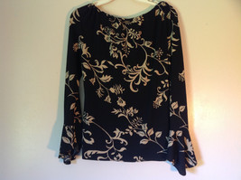 Black and White Flowered Print Motherhood Top Size Medium Made in USA image 3