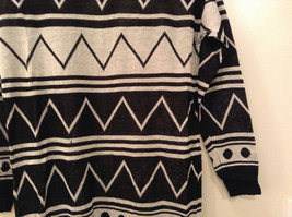 Black and White Anorak Long Sleeve Cardigan Sweater Wrap New in Package image 3