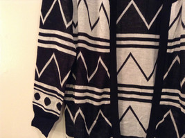 Black and White Anorak Long Sleeve Cardigan Sweater Wrap New in Package image 5