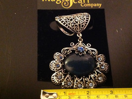 Blue Crystals with Large Black Stone Silver Toned Vintage Style Scarf Pendant image 5