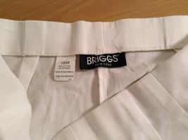Briggs New York Size 16W White Casual Capri Pants image 8
