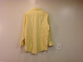 Brooks Brothers Soft Yellow 100% cotton Shirt, Size 16-1/2 (33), No pockets image 2