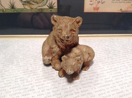 Brown Tone Metal Hollow Vintage Mother Bear with Cub Statue Figurine image 2