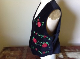 Casey and Max Black Sleeveless Vest with Flowers Buttons Red Green Size Large image 6