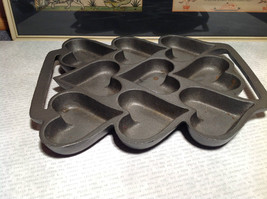 Cast Iron Vintage Cookie Mold Heavy Bakes 9 Heart Shaped Cookies image 3