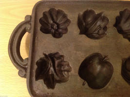 Cast Iron Cookie Mold Heavy Bake 8 Different Shaped Cookies or Muffins image 2