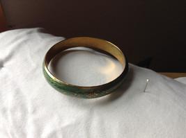 Charming Green Chevron Design Gold Tone Fun Bangle Bracelet Vintage Style  image 2