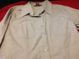 Chelsey & Jack blouse 3/4 sleeve women's light colored textured size small image 4