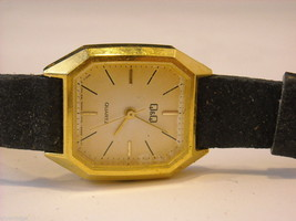 Collection of 11 vintage wrist watches with bands image 4