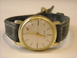 Collection of 11 vintage wrist watches with bands image 3
