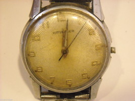 Collection of 11 vintage wrist watches with bands image 5