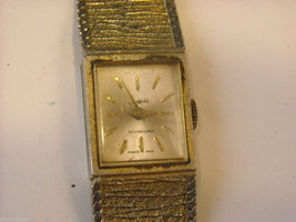 Collection of 11 vintage wrist watches with bands image 2