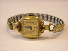 Collection of 11 vintage wrist watches with bands image 10