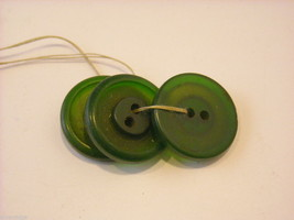 Collection of vintage buttons various materials shades of green image 3