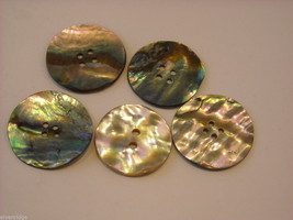 Collection of vintage buttons various materials shades of green image 10
