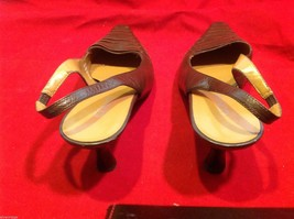Connie Brown size 7 sling back low heels in shiny brown  womens shoes image 2
