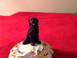 Cupcake gift box with choice of Specific Dog Breed Letters J to S Topper image 2