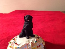 Cupcake gift box with choice of Specific Dog Breed Letters J to S Topper image 3