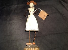 Wooden vintage retro Cupcake Girl Decoration I Need Cupcakes Now image 5