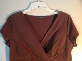 Cute Casual Brown Liz Claiborne Short Sleeve V Neck Top image 2