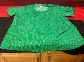 D & Co. Ladies Size 3X Short Sleeve Blouse Green with White Polka Dots image 2