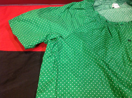 D & Co. Ladies Size 3X Short Sleeve Blouse Green with White Polka Dots image 5