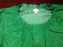 D & Co. Ladies Size 3X Short Sleeve Blouse Green with White Polka Dots image 6