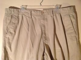 DOCKERS Khaki Casual Shorts Size 40 Excellent Condition 100 Percent Cotton image 2