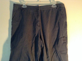 Dark Blue Northeast Outfitters Size 14 Capris image 2