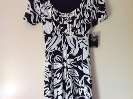 Dark Navy Blue White Design NEW Dress with Tag Scoop Neck Size 10 and Size 12 image 3
