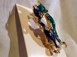 Dazzling Gold Tone Blue and Green Cats Pin Clasp Closure   image 3